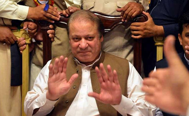 Nawaz Sharif,Pakistan PM, Pakistan SC,Nawaz disqualified,Money Laundering case,panama Papers Pakistan SC disqualifies Pakistan PM Nawaz Sharif ,have to immediately step down!!